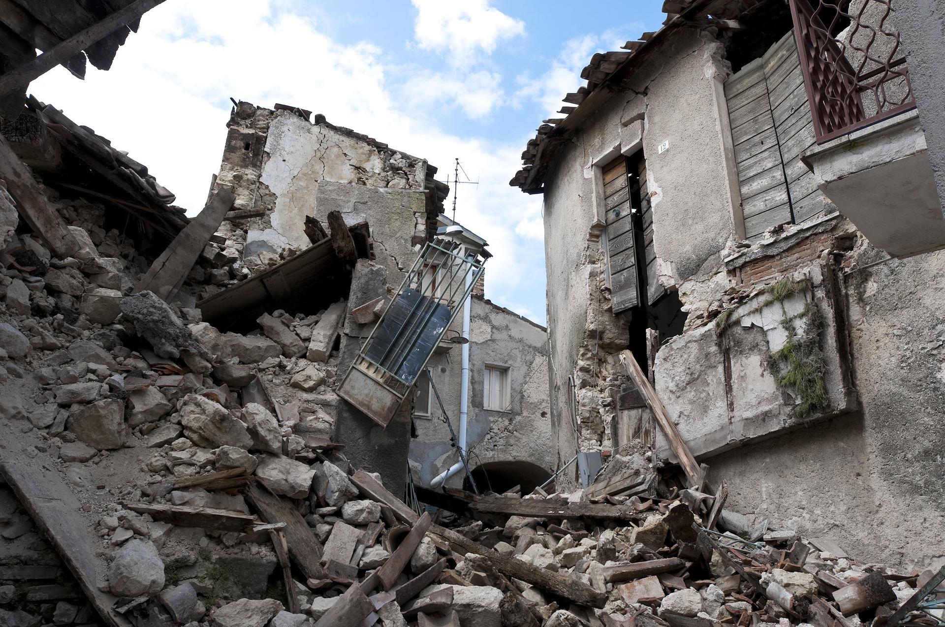 earthquake 1665870 1920 - Respuesta de emergencia